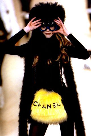 The 45 most beautiful couture runway moments from fashion shows of the 1990s: Chanel