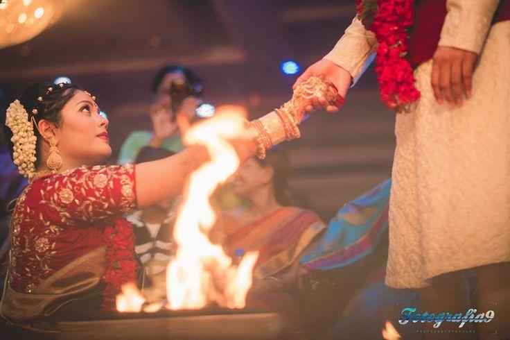Wow! Look at her eyes! Photo by Fotografia 9, Mumbai #weddingnet #wedding #india #indian #indianwedding #weddingdresses #mehendi #ceremony #realwedding #lehenga #lehengacholi #choli #lehengawedding #lehengasaree #saree #bridalsaree #weddingsaree #indianrituals #indianweddingrituals #ceremonies #weddingceremonies