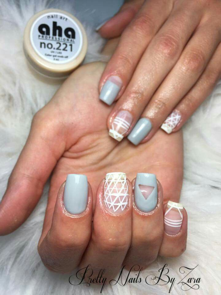 #negativespace #greynails #whitenails #nailart #nailtrends2016 #springnails
