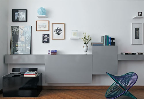 """love the furniture form and display, and the color.Use this kind of arrangement for a """"dressing-table"""" corner, with Besta furniture form Ikea, and a mirror"""
