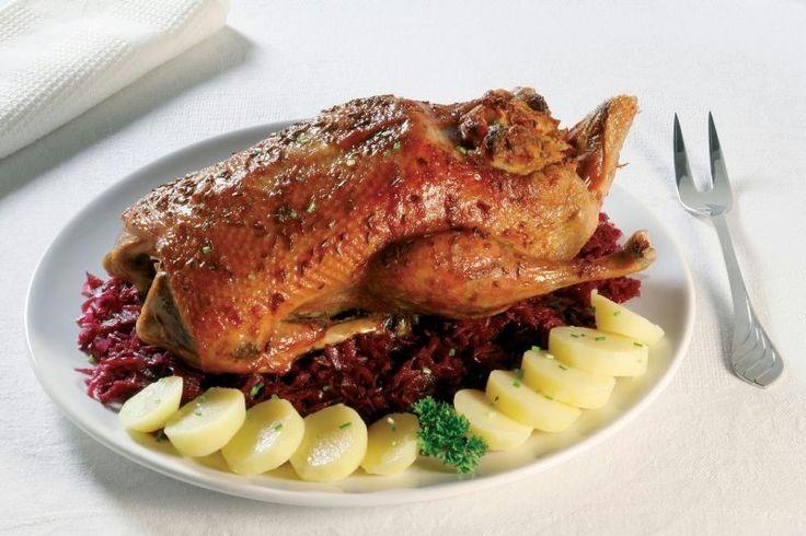 Pečená kachna s knedlíkem a se zelím