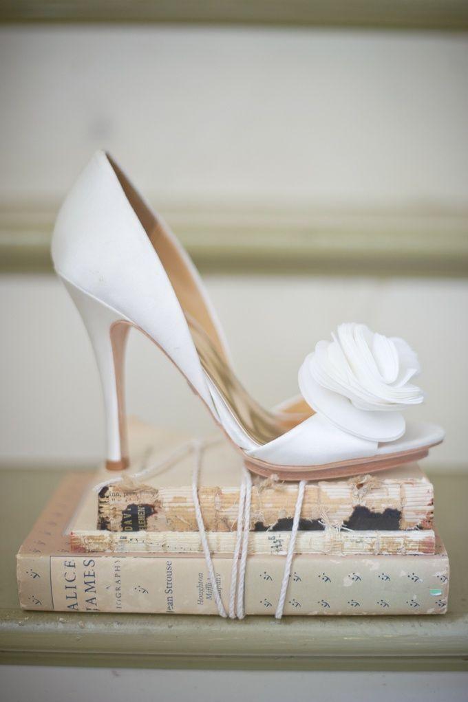 20 Gorgeous Classic White Wedding - Badgley Mischka wedding shoes   Photographer : Harwell Photography.com