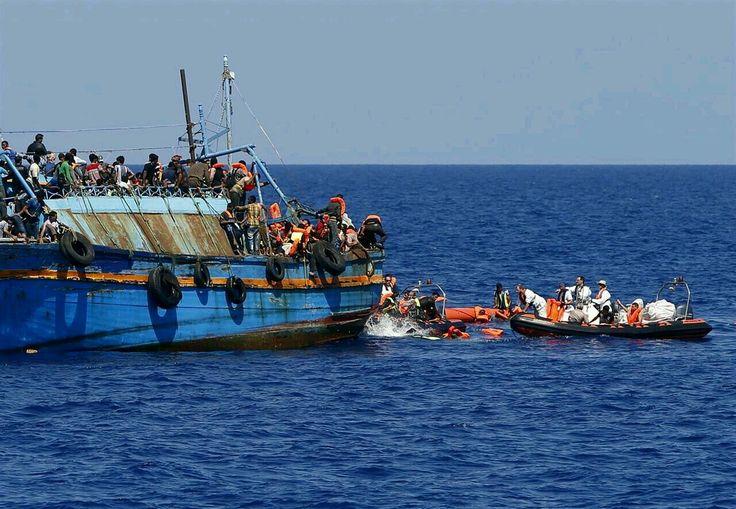 #refugees Le mafie operano impunemente in #Libia con il traffico di esseri umani http://www.europapress.es/internacional/noticia-mafias-trafican-seres-humanos-operan-total-impunidad-libia-20160605202148.html