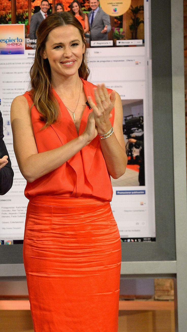 Jennifer Garner is on The Set Of Telemundo's 'Uno Nuevo Dia' at Telemundo Studio on March 15, 2016 in Miami, Florida.