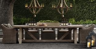 great outdoor dining space