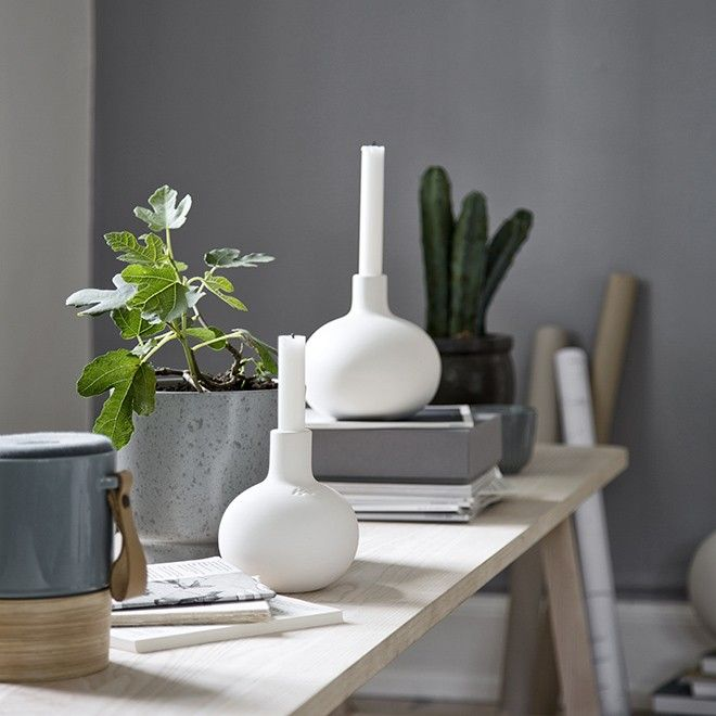 Discover Globo In cooperation with the designer, Dorthe Helm, Kähler has created the rough, contrasting range. Use the white Globo candle holders in different sizes and create a beautiful, stylish design tableau that will beautifully complements any stylish Scandinavian interior.