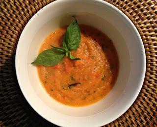 Recept voor zelfgemaakte tomaten basilicum soep.