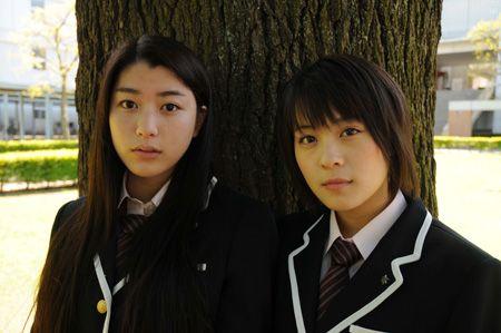 成海璃子、北乃きいが語る映画『武士道シックスティーン』 チケットぴあ[チケット情報・販売]