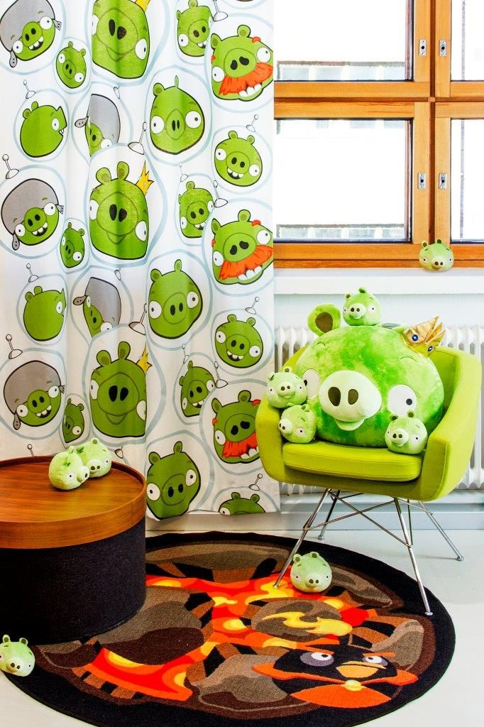 """Space piggies"" curtain and ""Space bomb"" rug - Angry Birds Interior Collection by Vallila"