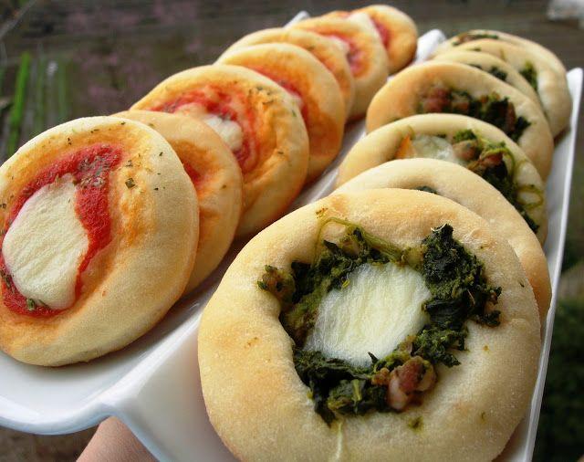 Pasqualina in cucina: La meravigliosa pasta da rosticceria di Rò pizzette, , ma anche mini panini, cornetti, ciambelloni farciti e trecce.