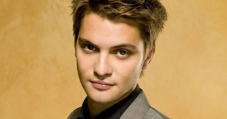 'Magnificent Seven' Remake Targets Luke Grimes -- 'American Sniper' star Luke Grimes is in talks to join the growing cast of director Antoine Fuqua's 'The Magnificent Seven' remake. -- http://www.movieweb.com/magnificent-seven-remake-cast-luke-grimes