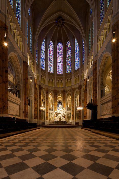 Chartres in 2012 - the restored choir  (Dennis Aubrey)