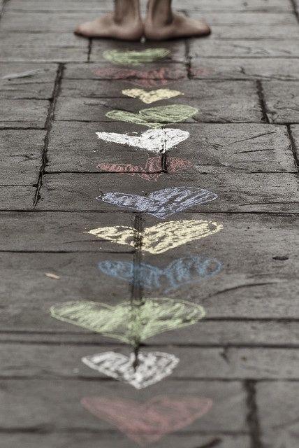 Cute!: The Roads, Ideas, Inspiration, Paths, Engagement Photos, Chalk Heart, Photography, Sidewalks Chalk, Kid