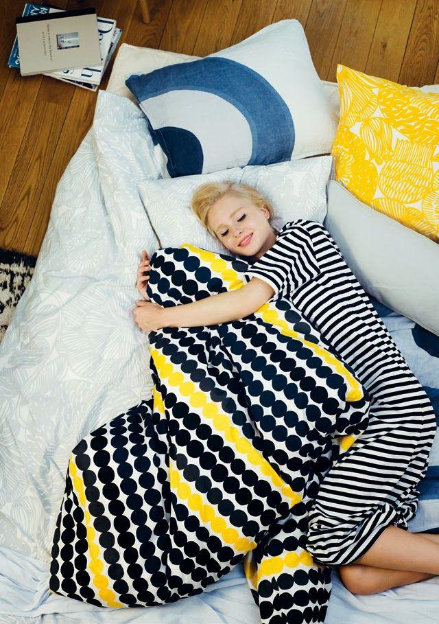 ベッドカバーで簡単模様替え北欧風や無印でおしゃれでかわいい寝室に