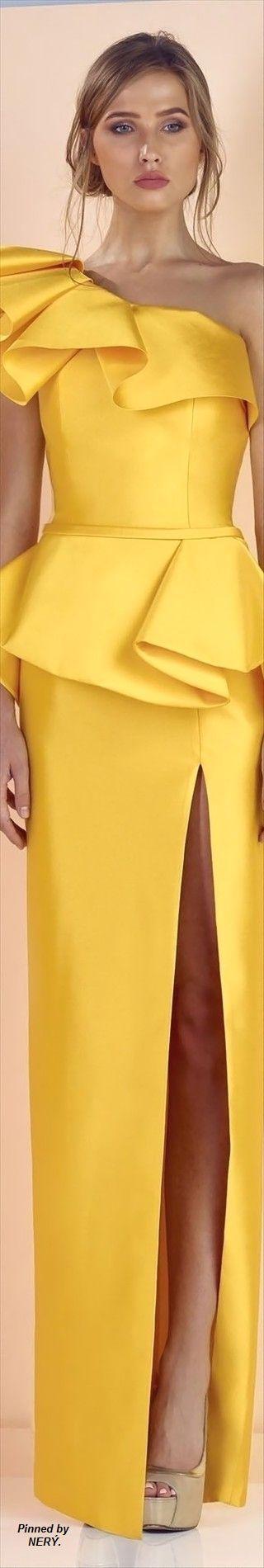 Vestido amarillo de arandelas, un solo hombro, abertura en falda Edward Arsouni Spring-Summer