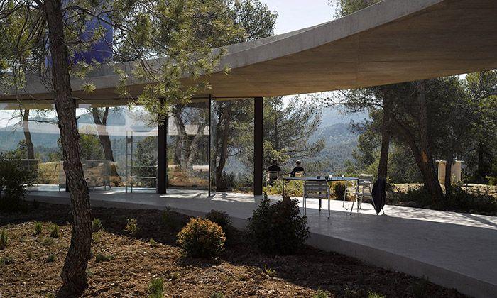 Rekreační dům Solo House dostal tvar obřího kruhu