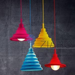 Pokiaľ si prajete svietidlo skrátiť, stačí si ho zopár krát zauzliť. Svietidlu sa tak skráti kábel bez toho aby stratilo svoj moderný a unikátny vzhľad. Svietidlo je vyrobené na žiarovky s päticami E27, čo je najpoužívanejší typ pätíc žiaroviek v domácnostiach