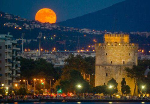 ~~ Ενα ολογιομο φεγγαρι ~ Θεσσαλονικη ~~    !! Α very full moon ~ Thessaloniki!!    TBoH