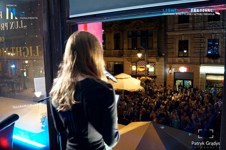 """W ŚWIETLE OKIEN, 19 września 2015 - """"Najpiękniejsze piosenki musicalowe"""". Śpiew: Emilia Klimczak, Piotr Płuska; akompaniament: Danuta Antoszewska. (fot. Patryk Grądys)"""