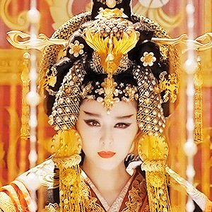 The History Of The Concubine Who Became The Cruelest Ruler In China. How Wu Zetian started as a simple concubine but later became the favorite of the emperor of Chinese Emperor Taizong, then his wife, and once he died, empress of all China.