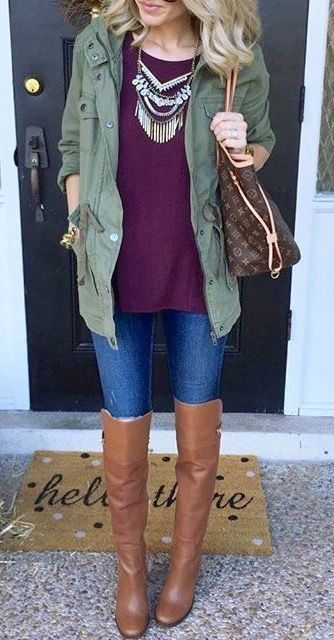 The perfect fall look: the colors, the layering, the necklace and the boots? Perfection!