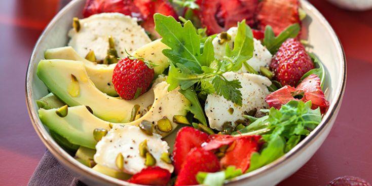 Salade fraise-avocat au chèvre