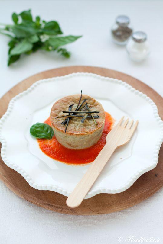 Sformatini di melanzane con salsina fresca al pomodoro #recipe #juliesoissons