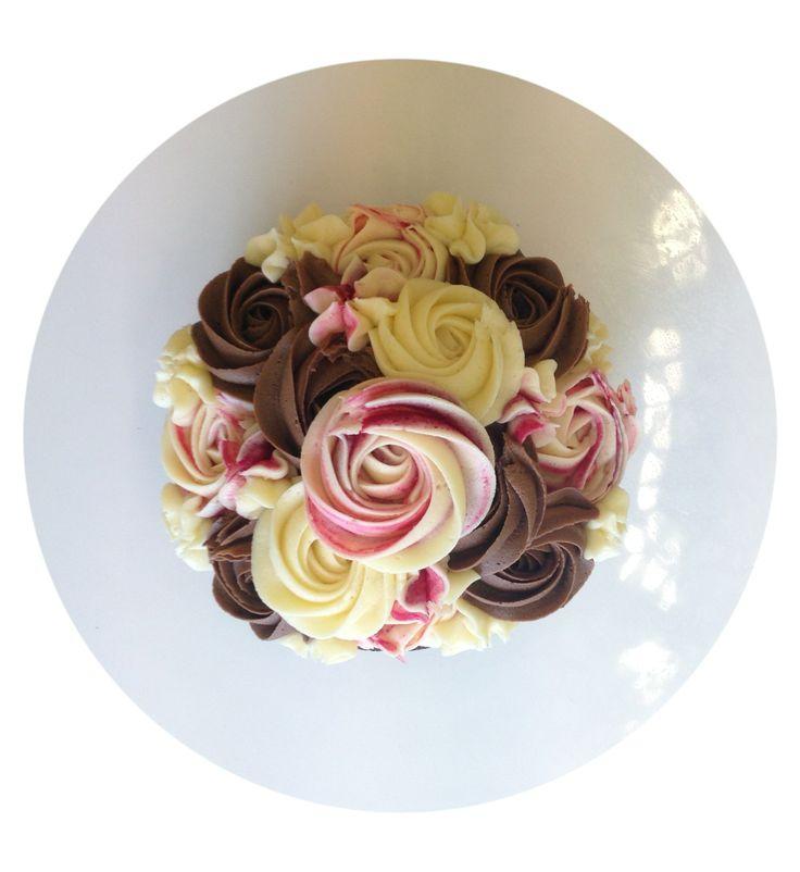 Raspberry, Vanilla and Chocolate Cake [6 inches]