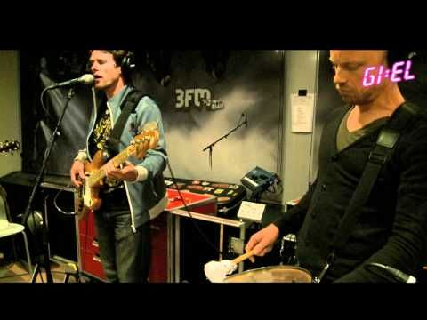 ▶ Racoon - Don't Give Up The Fight - YouTube
