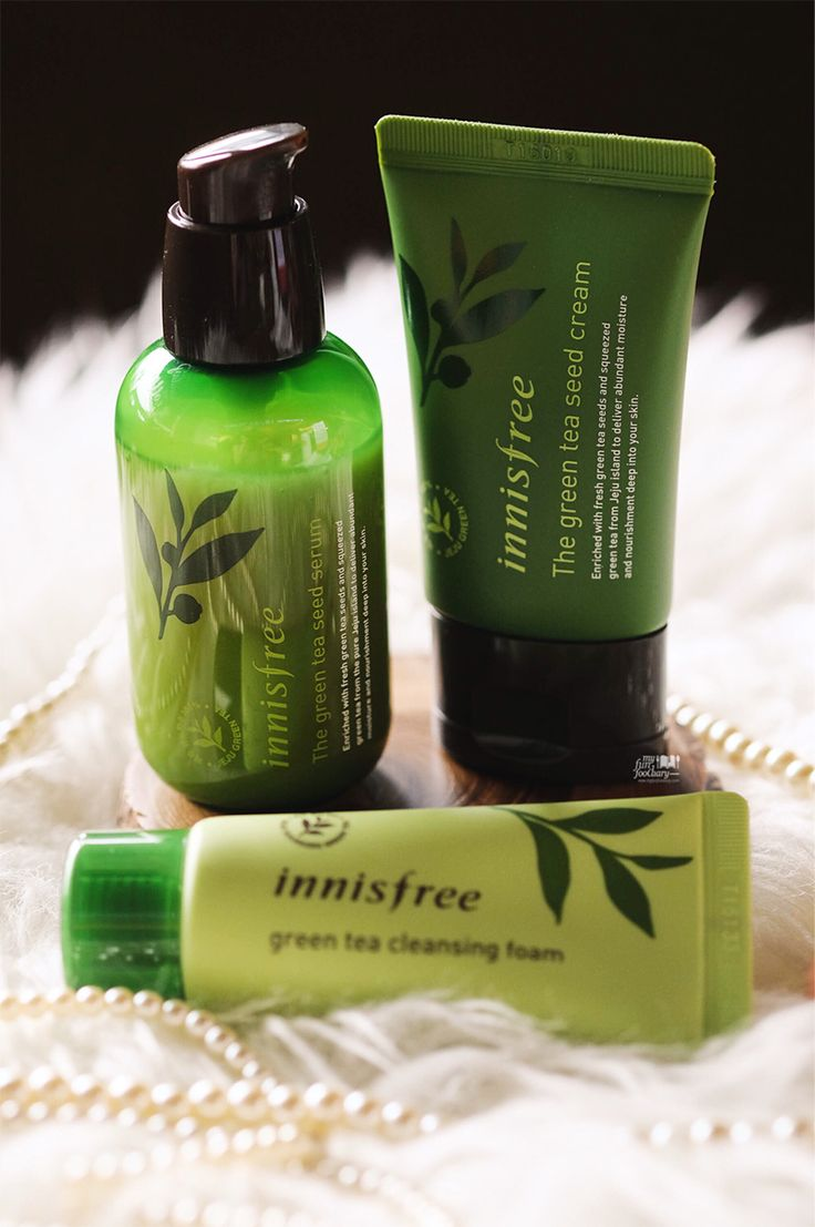 Innisfree Green Tea Seed Serum now become one of my favorite serums. Iit's light and very hydrating and smells great.