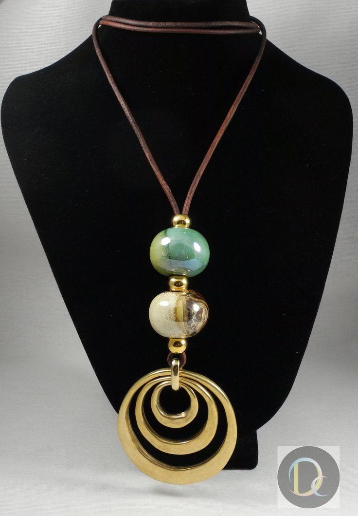 Anillos Solares: 25€  Aros de Zamak bañado en oro, con bolas de porcelana griega vidriada. cuero natural envejecido.   Rings - Gold- Plated - Ball - Porcelain - Leather - Necklace