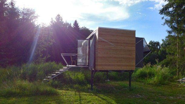 Simple Home es un diseño de casa modular que se produce en taller, siguiendo las directrices de la tecnología prefabricada y con materiales sostenibles. #CasasPrefabricadas, #Sostenibilidad