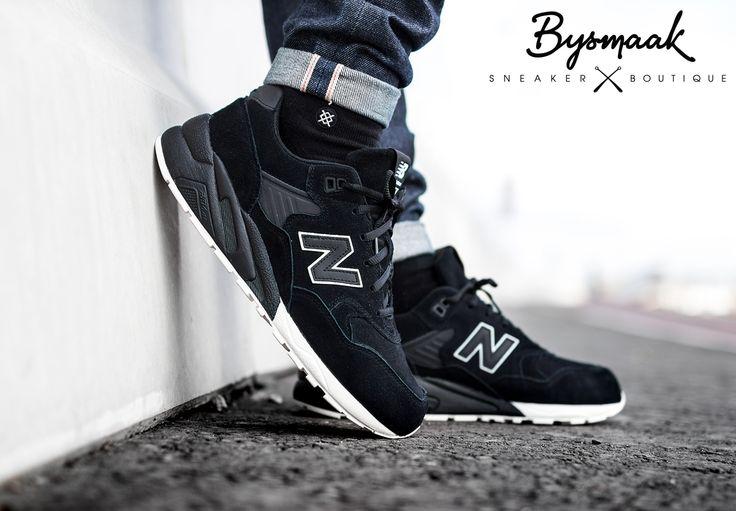New Balance 580 black   Stance all black socks