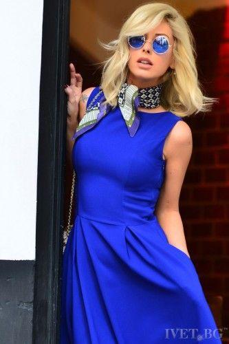 Αμάνικο φόρεμα μοντέρνο και εντυπωσιακό! Sexy, ιδιαίτερο και στυλάτο! Αναδείξτε την θηλυκή σας πλευρά! Καταπληκτικό φόρεμα σε μήκος κάτω από το γόνατο. Στυλάτο και κομψό, συνδυάστε το με τα κατάλληλα αξεσουάρ και θα είστε αξέχαστες!    Μεγέθη : Small  Χρώμα : Μπλε  Σύνθεση : 65%COT 30%PES 5%SP