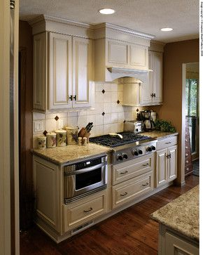 Showplace Cabinetry   Traditional   Kitchen Cabinets   Tampa   Farrell Home  Services, Inc.