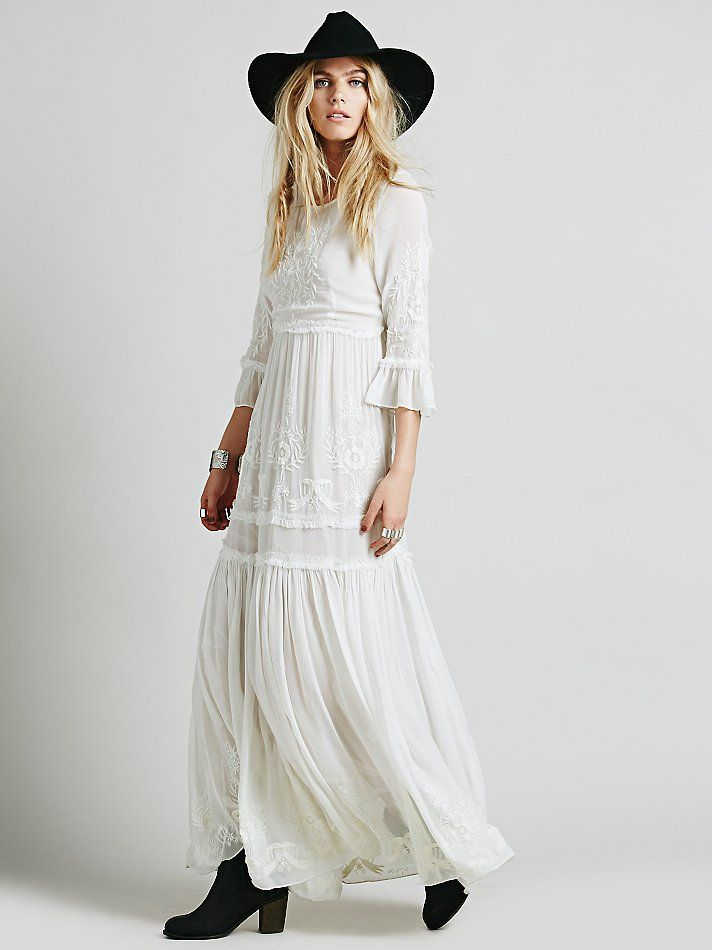 Beautiful boho wedding dress from Free People under $500!