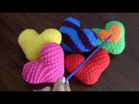 Corazones de San Valentín tejidos en palillos o dos agujas