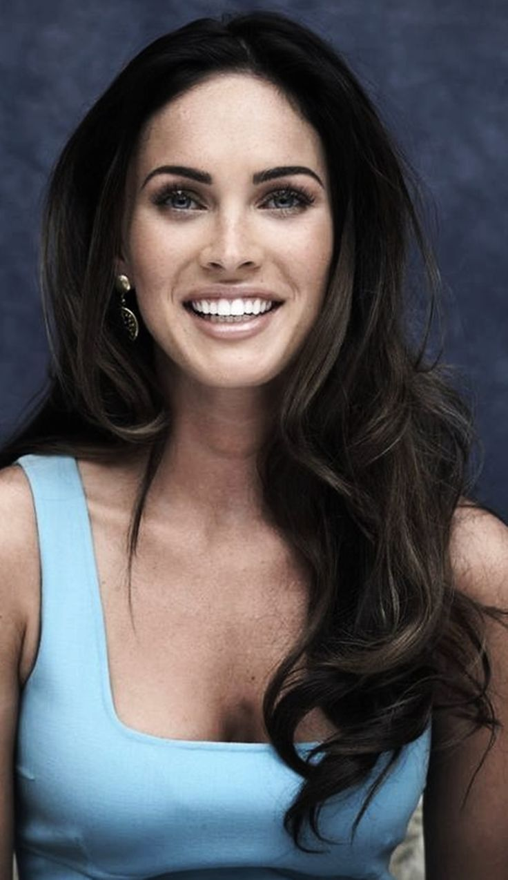 MEGAN FOX Gorgeous hair