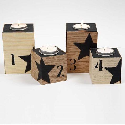13117 Värmeljusstakar klädda med faner med svarta siffror och stjärnor