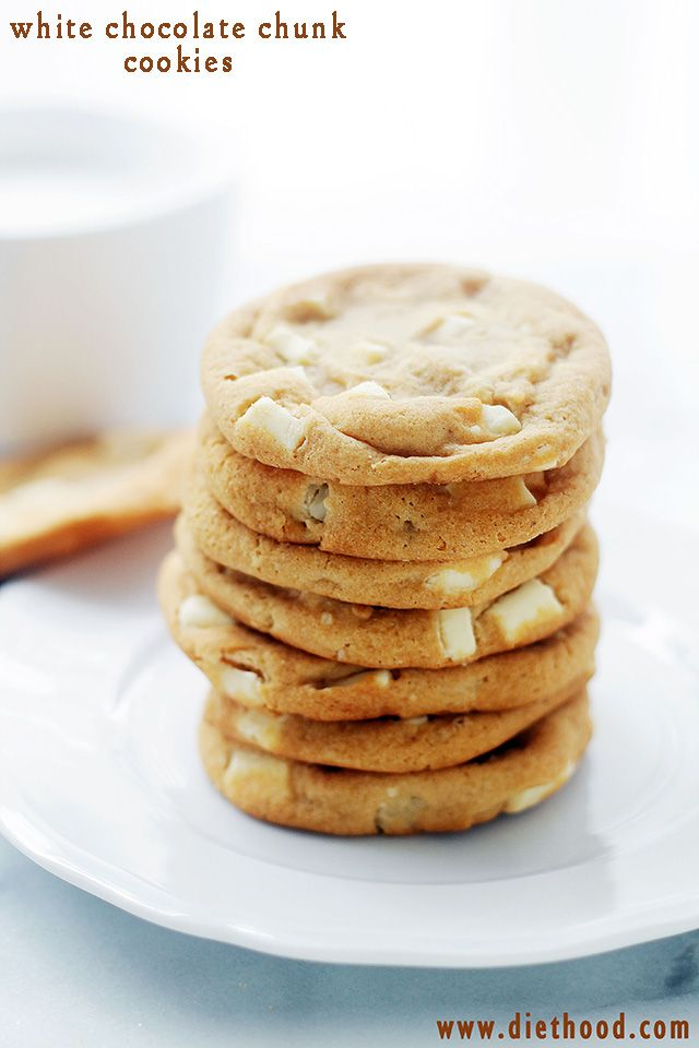 White Chocolate Chunk Cookies | www.diethood.com | These White Chocolate Chunk Cookies are a Mrs. Field's Copycat, but I think they are even better than the real thing!  | #cookies #recipes