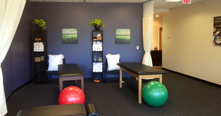 25 best ideas about clinic interior design on pinterest for Physical therapy office layout