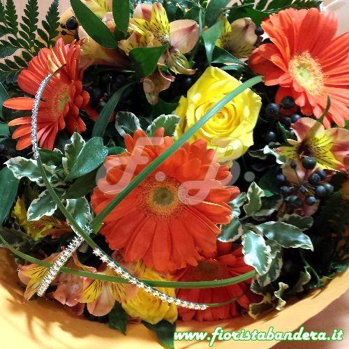 Bouquet fiori dai colori caldi e solari