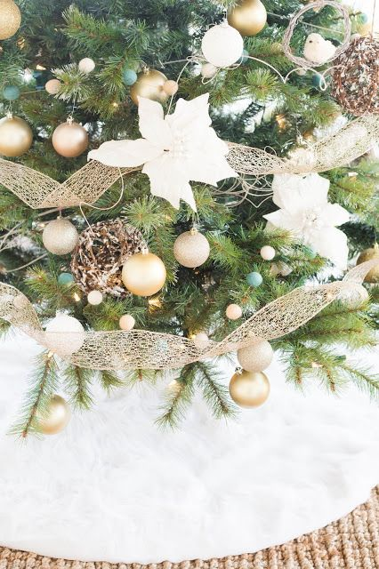 do it yourself divas: DIY Faux Fur Tree Skirt Plus Woodland Christmas Tree Decor