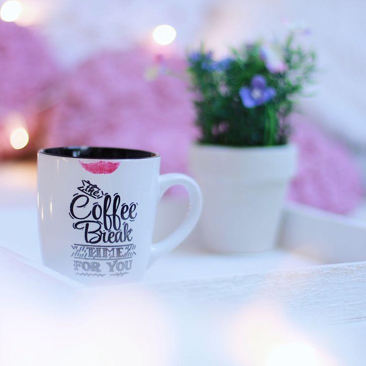 Coffee, mug, lipstick kiss, spring, bokeh