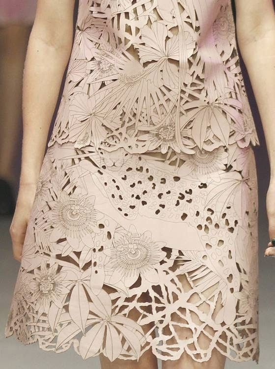 patternprints journal: PRINTS, PATTERNS AND SURFACES FROM LONDON FASHION WEEK (WOMAN COLLECTIONS SPRING/SUMMER 2015) / Giles