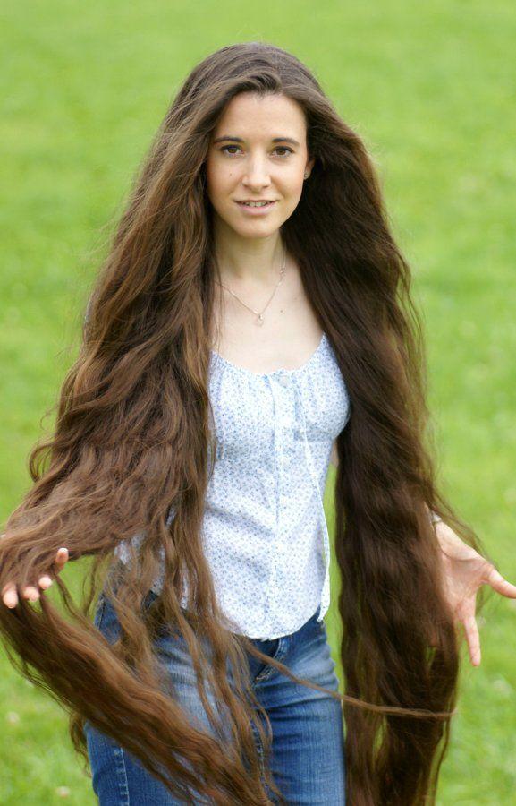 långt hår ledsagare rött hår