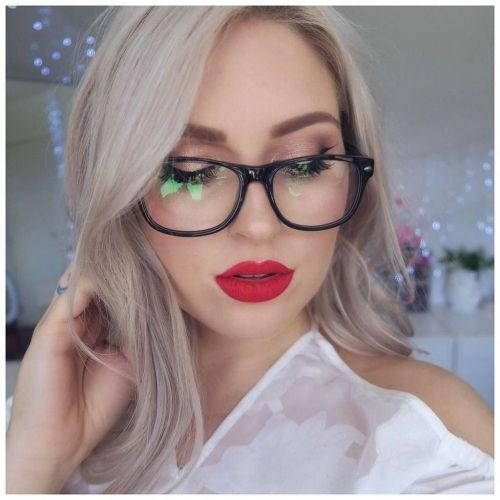 Φοράτε γυαλιά; Αυτό είναι το σωστό μακιγιάζ για εσάς (VIDEO)