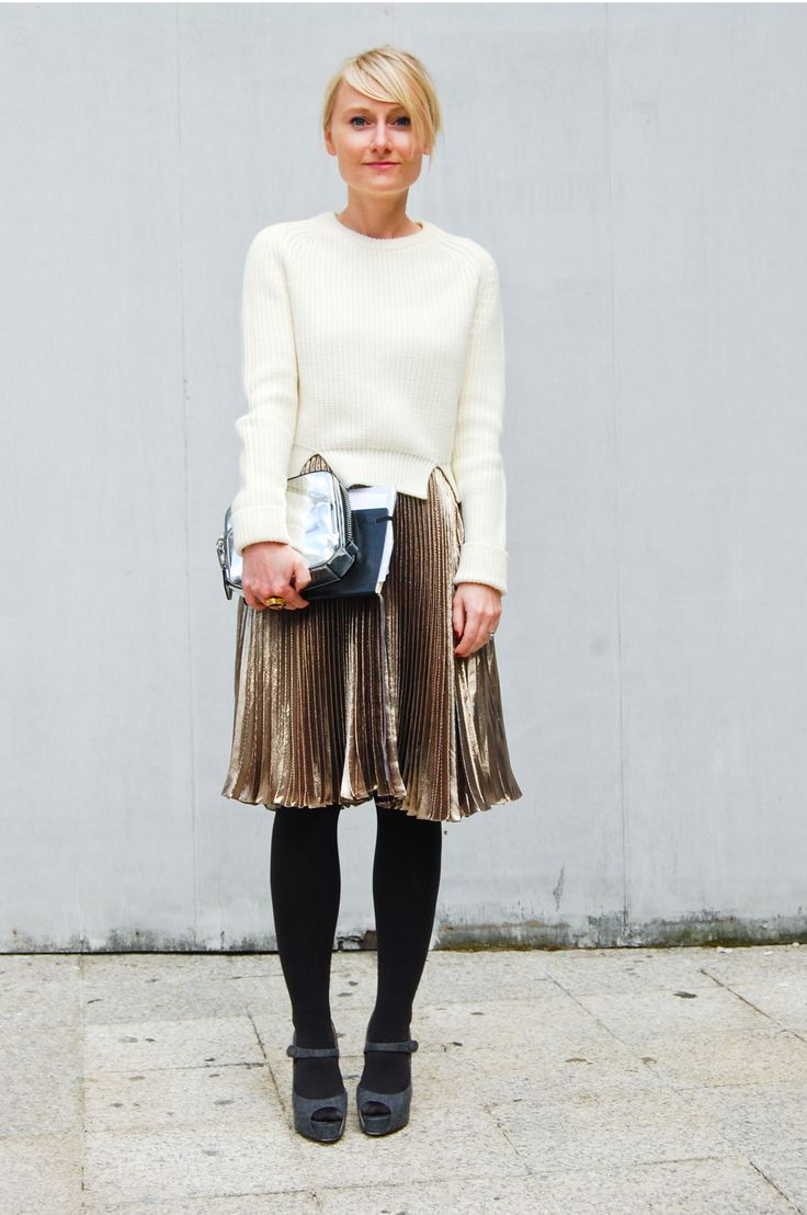 hello pleated gold skirt.