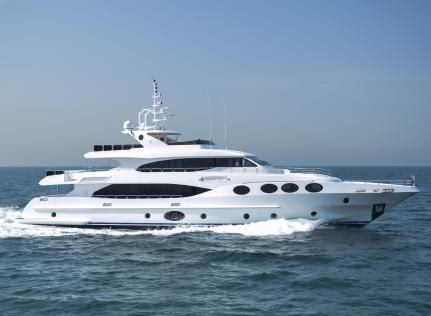 Majesty 125 | Nowy jacht od Gulf Craft | EKSKLUZYWNE.NET