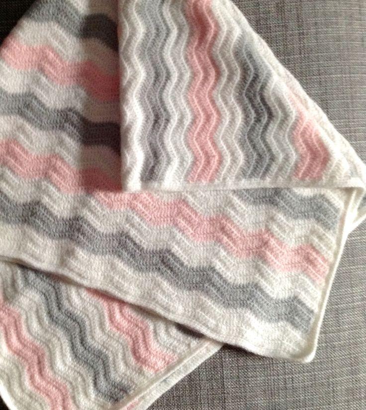Como hacer manta de bebé en zig zag.